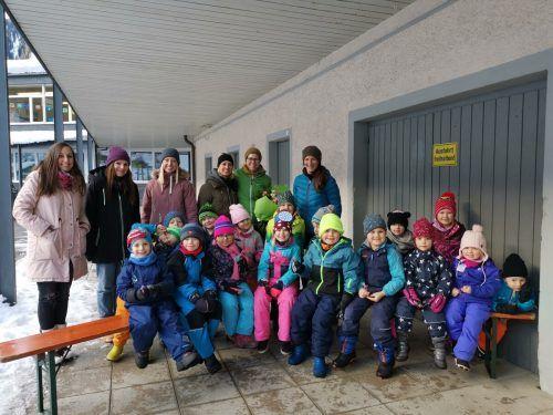 Die Kindergartenkinder und ihre Betreuerinnen verabschiedeten Leiterin Anette Muck.Kindergarten