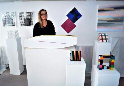 Die Künstlerin Ilse Aberer gewährt der VN-Heimat Einblicke in ihr Atelier und erzählt über ihr vielseitiges Schaffen als ...Ritter