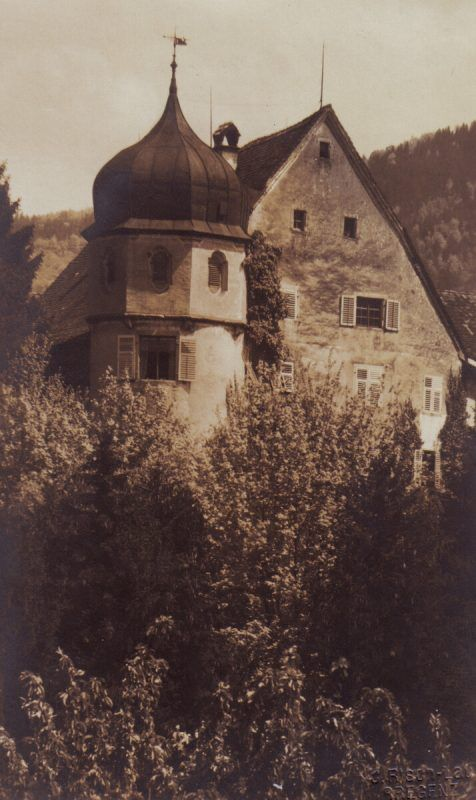 Die markante Zwiebelhaube des Deuringschlössles ist rund 400 Jahre alt.