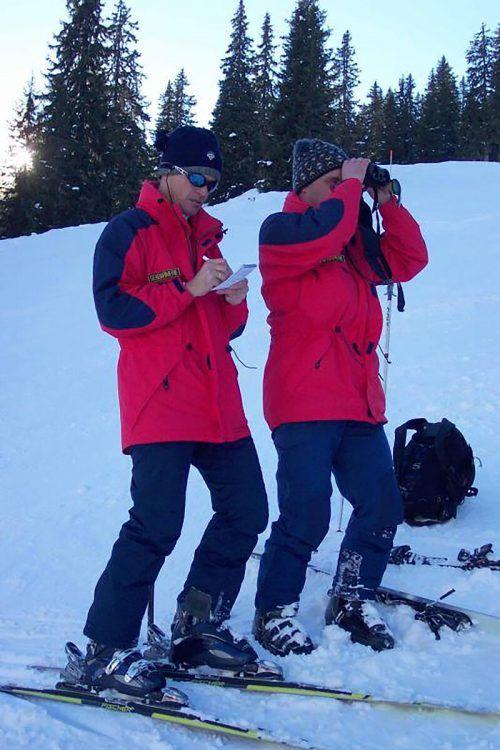 Die Polizei nahm die Skigebiete unter die Lupe, um nach sogenannten Coronasündern Ausschau zu halten. SYMBOL/MOHR