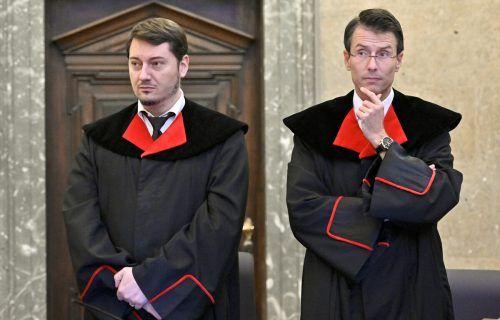 Die Staatsanwälte Alexander Marchart (links) und Gerald Denk auf einer Aufnahme von 2019 während des Prozesses gegen Ex-Finanzminister Karl-Heinz Grasser. APA