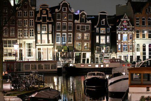 Die Straßen Amsterdams sind derzeit in der Nacht menschenleer. reuters