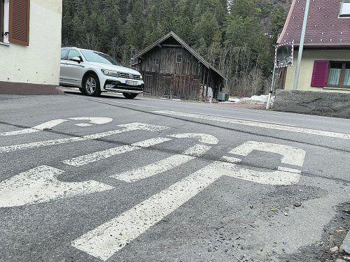 """Diese """"Stop""""-Markierung wird schon bald überflüssig, da die Einfahrt in die Montafoner Straße per Verordnung zumindest vorübergehend verboten wird.VN/JS"""