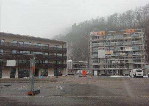 Drei verschieden hohe Wohnblöcke sind im Götzner Kalkofenweg entstanden. Noch in diesem Jahr werden die Wohnungen übergeben.Mäser