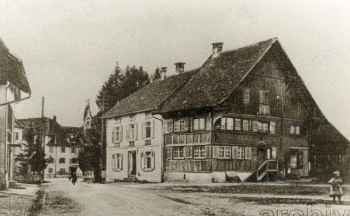 Eine Aufnahme des 350 Jahre alten Hauses von 1920. Gemeindearchiv MG Hard