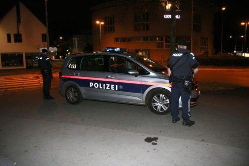 Eine illegale Zusammenkunft von Partygästen rief in Bregenz die Polizei auf den Plan.                               SYMBOL/PLETSCH
