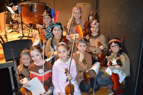 Faschingsaktion an der Rheintalischen Musikschule Lustenau Höchst Fußach in den vergangenen Jahren.Musikschule