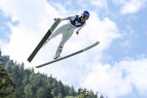 Im ersten von zwei Springen in Rasnov landete Eva Pinkelnig als Siebte in den Top Zehn.gepa