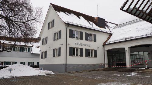 In der Gemeindestube von Klaus ist seit der Wahl die Aufnahme in das e5-Programm des Landes ein großes Thema.Egle