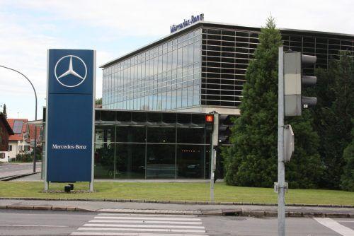 Mercedes-Benz Händler Schneider Automobile erweitert heuer den Betrieb. VN/Gasser