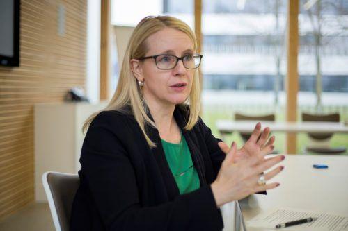 Ministerin Margarete Schramböck kündigt Neustart der Plattform an. VN/Paulitsch