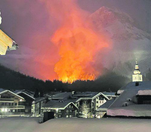 Nach dem Brand des Heizkraftwerkes ist die Versorgung der betroffenen Wohn- und Geschäftshäuser mit Fernwärme gesichert. OFG