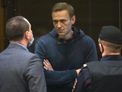 Nawalny soll für fast drei Jahre ins Straflager. Moscow city court/AP