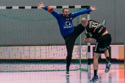 Neo-ÖHB-Teamgoalie Golub Doknic konnte sich mehrmals gegen Liga-Toptorschütze Milos Djurdjevic auszeichnen. VN/DS