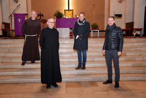 Pater Guido Kobiec, Pater Martin Werlen, Pastoralleiter Thomas Folie und Kaplan Mathias Bitsche (v. l.).SCO