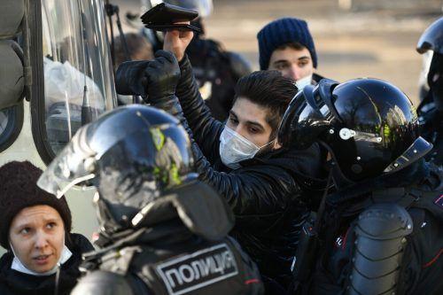 Protestierende wurden festgenommen.