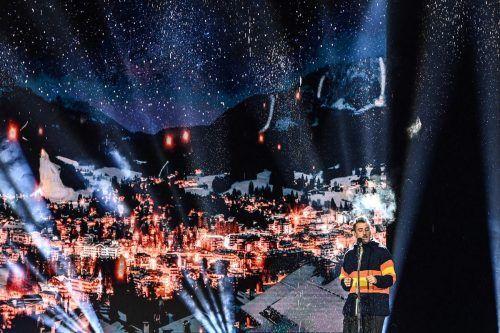 Sänger Francesco Gabbani stimmte die Skifans auf die WM in Cortina ein.apa