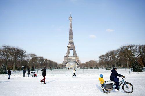 Salz würde das Eisen des Eiffelturms zu stark angreifen. AP