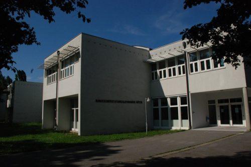Schüler und Lehrer des BORG Götzis geben live Einblicke in den Schulalltag.