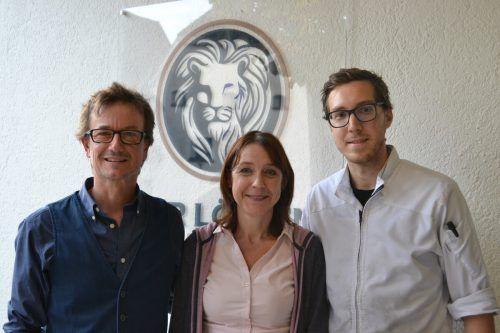 Seit knapp eineinhalb Jahren leiten Harald Wieshofer-Tomaselli und Bianca Wieshofer gemeinsam mit Mitgesellschafter Daniel Mostögl (r.) den Löwen in Bludenz.BI
