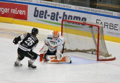 William Rapuzzi brachte die Bulldogs nach 54 Sekunden in Führung, am Ende gingen aber Linz als Sieger vom Eis.Hartinger
