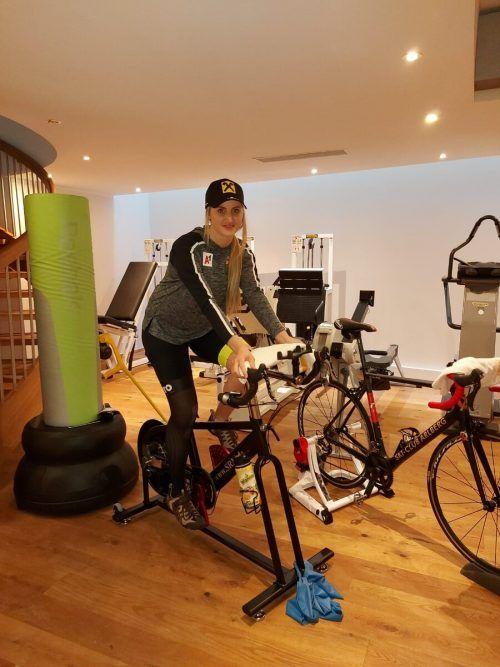 Zu Nina Ortliebs ersten Schritten zurück gehört das Radfahren.no