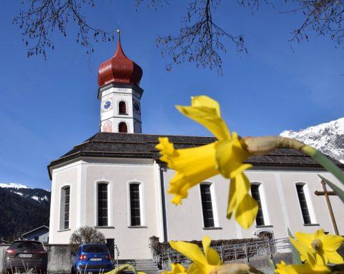 """Am heutigen Gründonnerstag wird nach der Messe um 18.30 Uhr das """"Allerheiligste"""" von der Neuen in die Alte Pfarrkirche Vandans übertragen.SCO"""
