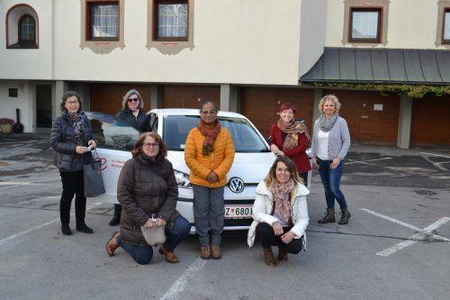 Anika Buda, Olga Friesenecker, Sieglinde Präg, Rosie Varughese, Gabi Bottesi, Simona Marinier und Angelika Boschetto (v.l.).BI