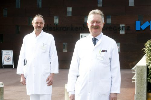 Arbeit Hand in Hand: OA Thomas Wechselberger (l.) und Primar Heinz Drexel.khbg