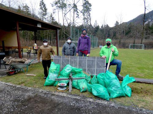 Bei der diesjährigen Landschaftsreinigung haben in Bludenz wieder zahlreiche freiwillige Helfer mit angepackt.Stadt Bludenz