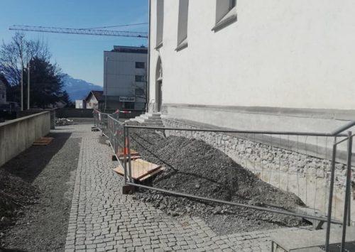 Bei der und rund um die Pfarrkirche Weiler haben vor wenigen Tagen die Sanierungsarbeiten begonnen. Mäser