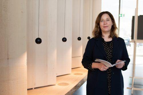 Belinda Rukschcio (47) ist seit März die neue Leiterin des Werkraums Bregenzerwald. mam