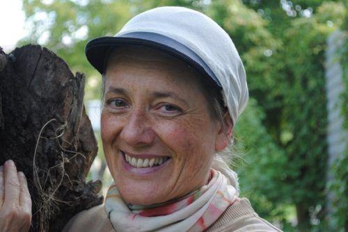 Birgit Bonner hält sich - mit und ohne Schützlinge - gerne in der Natur auf. archiv