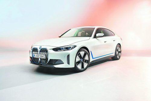 BMW lüftet das Geheimnis und zeigt die Elektrolimousine i4.werk