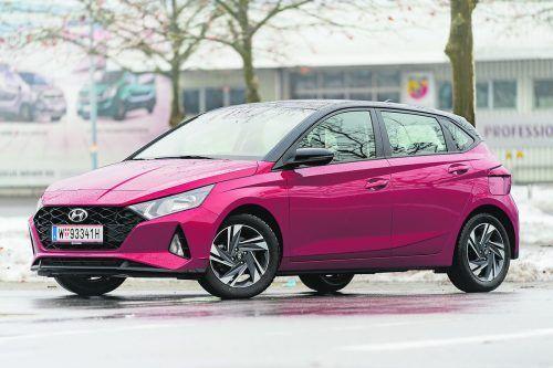 Da drängt sich einer auffallend augenfällig auf: Frisch und frech sowie fein ausstaffiert fährt der Hyundai i 20 vor.Vn/tiplovsek