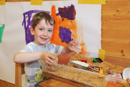 Das Angebot von Spielgruppen, Kleinkinder- sowie Schülerbetreuung wird im Montafon stetig ausgebaut.Meznar Media