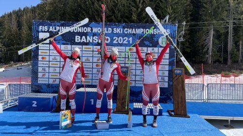Das Super-G-Podest bei der Juniorinnen-WM in Bansko ist ganz in rot-weiß-roter Hand: Magdalena Kappaurer, Lena Wechner und Magdalena Egger holen sich Silber, Gold und Bronze.ÖSV/Thomas Schrammel
