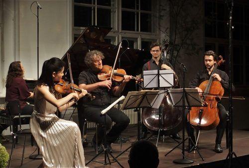 Dem Ensemble der Pforte-Reihe ist das Publikum treu. Die neue Saison wird am 8. April in Feldkirch mit Matthias Schorn, Soloklarinettist der Wiener Philharmoniker, eröffnet. ju