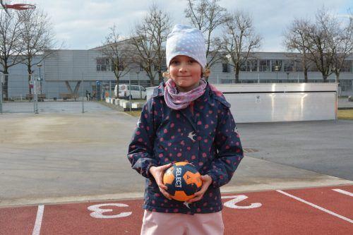 Der Handballnachwuchs der U8 freut sich auf das gemeinsame Training mit dem Ball.BVS
