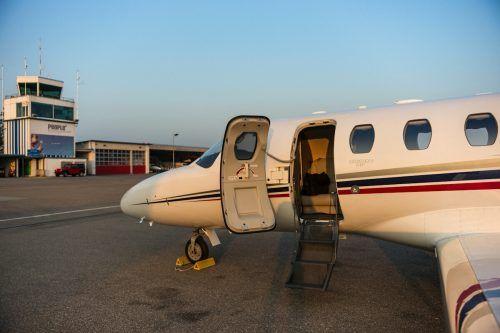 Der Linienbetrieb der People's Viennaline ruht, dafür sind vermehrt private Flugzeuge in Altenrhein gestartet und gelandet.FA
