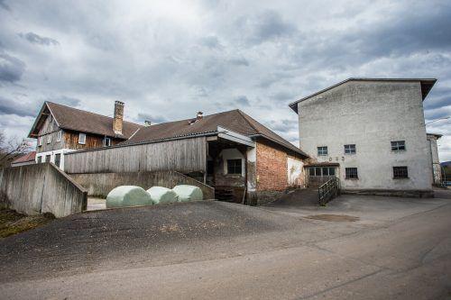 Die baufälligen Landwirtschaftsgebäude sind bald Geschichte.