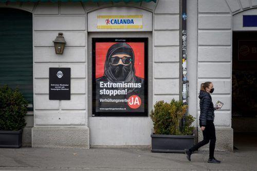 Die Initiatoren machen keinen Hehl daraus, dass es ihnen vor allem um den Islam geht. Gemeinhin ist von einem Burka-Verbot die Rede. reuters