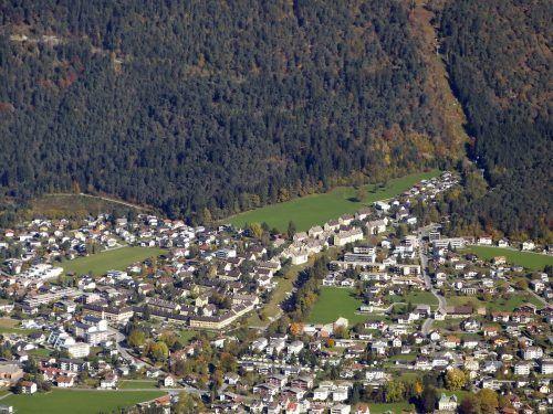 Die markante Südtiroler Siedlung am Galgentobel prägt seit vielen Jahrzehnten das Stadtbild von Bludenz.Josef Concin