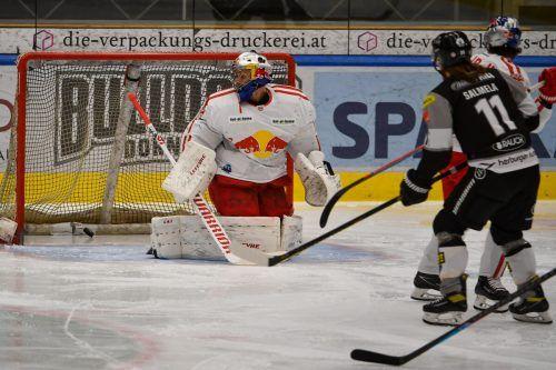 Dornbirn-Verteidiger Saku Salmela eröffente nach 76 Sekunden den Torreigen zum 6:3-Erfolg über Salzburg.GEPA