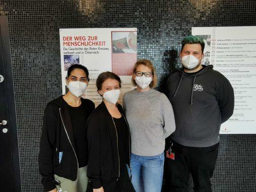 Duman Dilek, Magdalena Battlogg, Tamara Bischof und Dominic Gebhart (v.l.) sind neue Rotkreuzler.RA Bludenz/Dünser