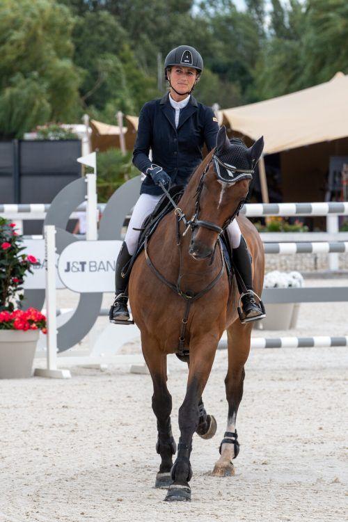 Ein Nachwuchspferd von Katharina Rhomberg ist vom Herpesvirus betroffen. Das Pferd zeigt keinerlei Krankheitssymptome und befindet sich wie alle anderen Pferde in Isolation. Privat