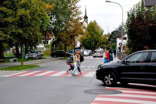 Eine 30er-Beschränkung wie hier bei der Volksschule Mitte wird aktuell für das gesamte Bludenzer Stadtgebiet diskutiert. Stadt