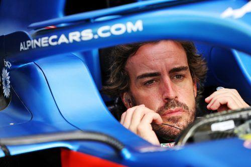 Fernando Alonso musste seinen Alpine-Boliden wegen Bremsproblemen abstellen.GEPA