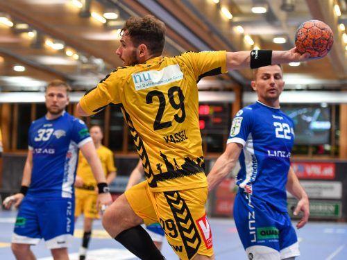 Flügelflitzer Alexander Wassel trug so wie Josip Juric-Grgic sieben Tore zum 31:20-Kantersieg der Bregenzer im Cup-Achtelfinale in Linz bei. GEPA