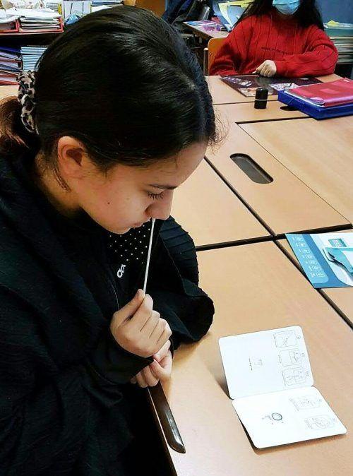 Für Kinder und Jugendliche, die sich testen, gibt es Lockerungen.APA